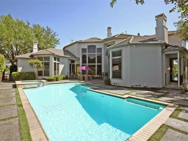 tony-romo-private-pool