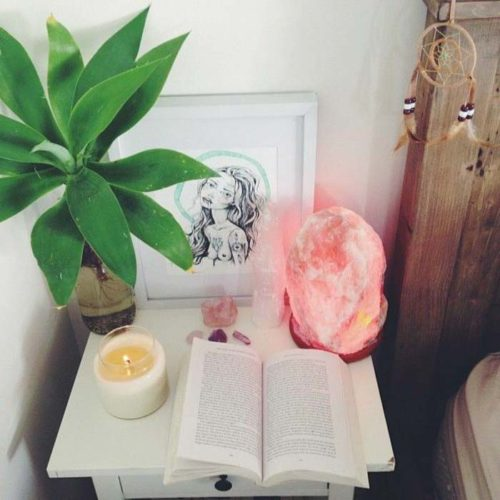 himalayan-salt-lamp-decor